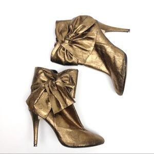 Cathy Jean Bronze Metallic Booties Size 6M